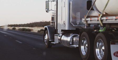 Adair Co, IA - Accident Involving Semi-Truck, Passenger Van on I-80